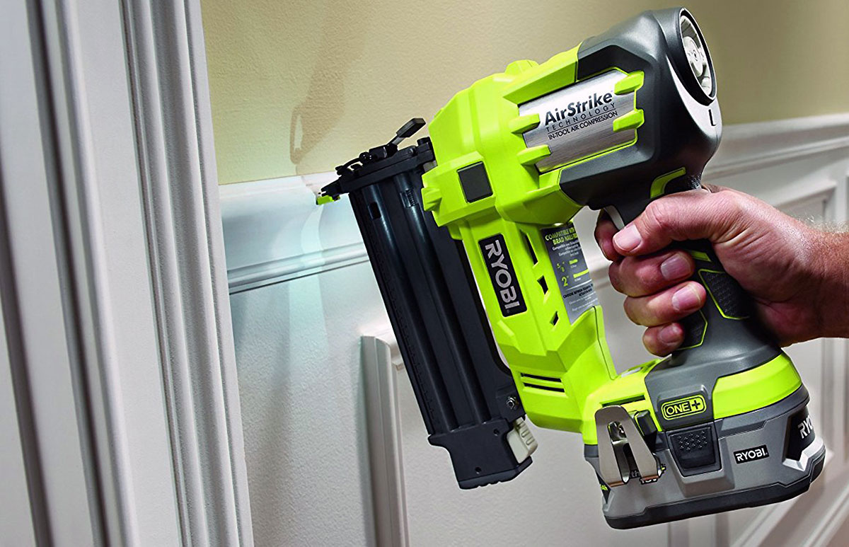 What size air compressor do I need for a nail gun