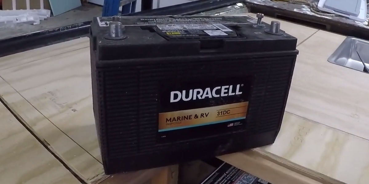 How to maintain marine batteries